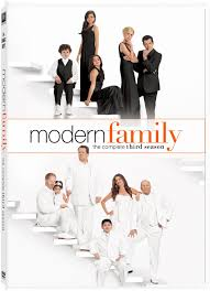 Watch Movie Modern Family - Season 3